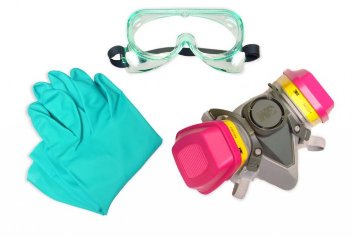 защитные очки, респиратор, перчатки
