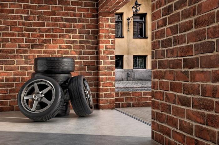 шины в гараже