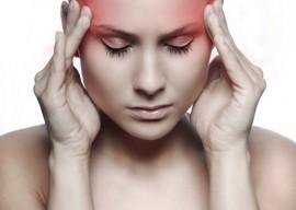 Справляемся с головной болью: пить или не пить таблетки?