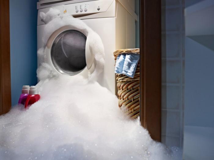 протекает стиральная машина