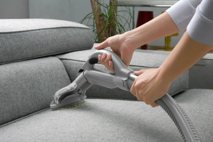очистить обивку дивана