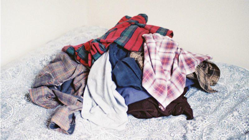 убрать запах пота с одежды