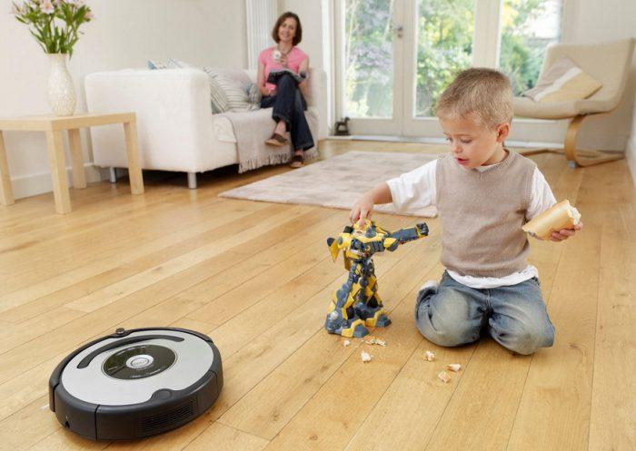 помощник робот-пылесос