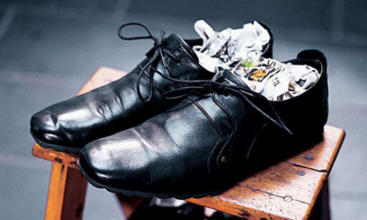Как сделать узкую обувь шире в домашних условиях