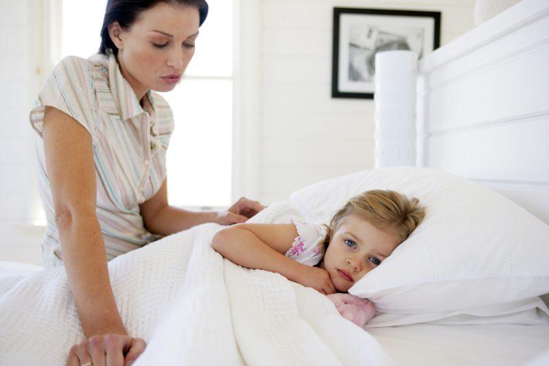 как часто стирать постельное белье больных