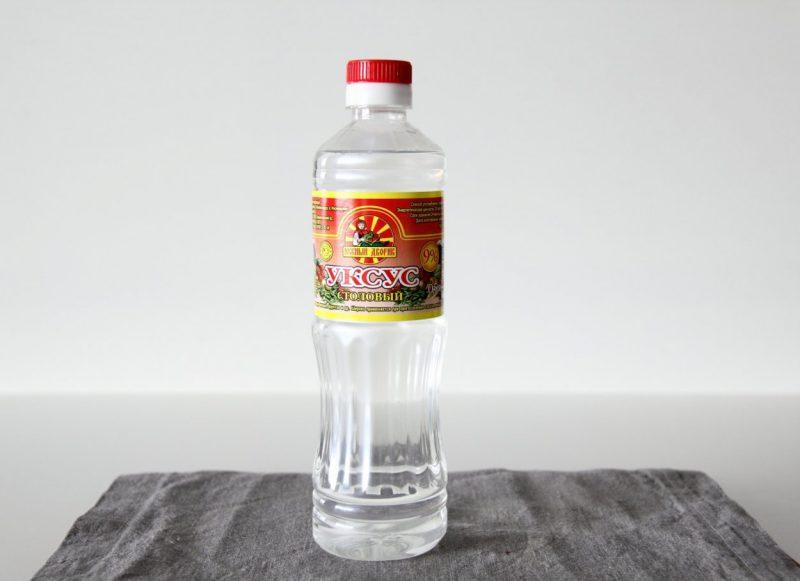Уксус - народное средство против плесени