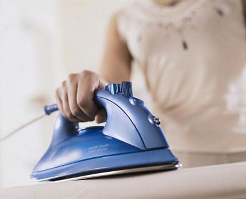 чистка утюга дома