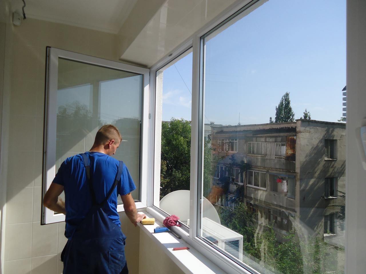 Клининговые услуги по уборке помещений. мойка окон, балконов.