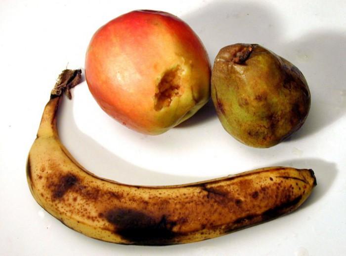 испорченные фрукты