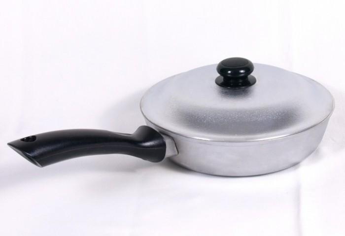 алюминиевая сковородка