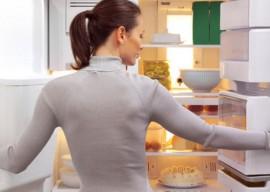 Как убрать запах из холодильника: самые эффективные методы