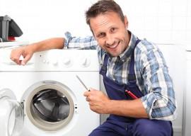 Что делать, если стиральная машина прыгает при отжиме