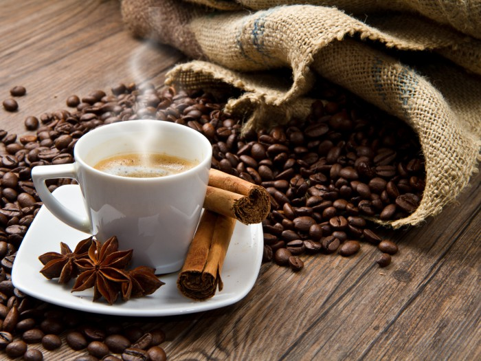 Как вывести пятна кофе с шелка и шерсти