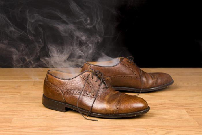 Пробуем убрать запах из ботинок