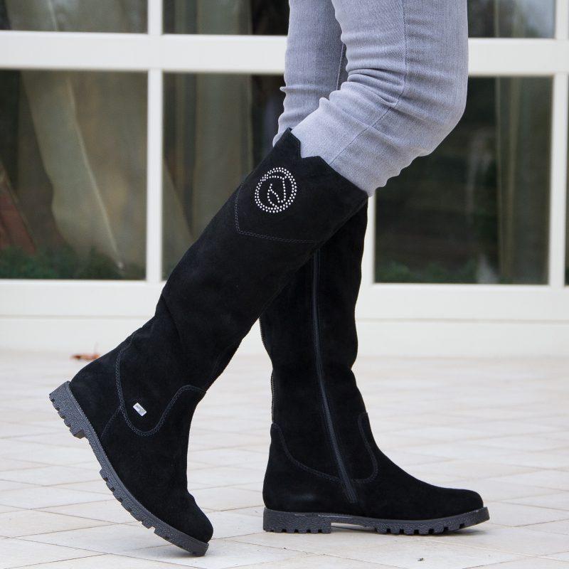 Велюровая обувь - как правильно ухаживать зимой