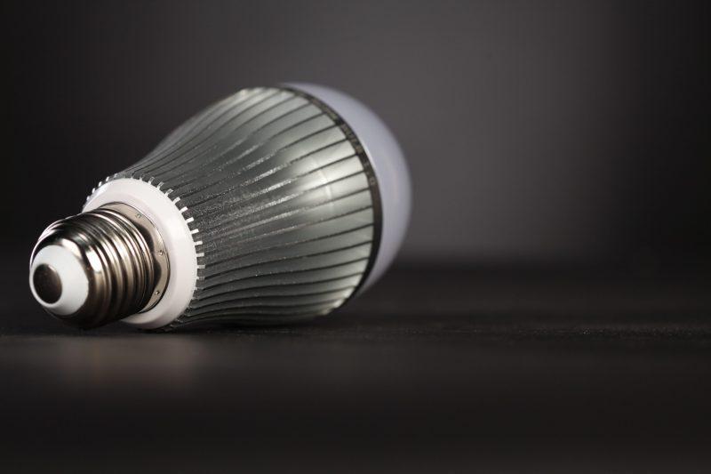 Энергосберегающие лампочки - первый шаг к экономии света