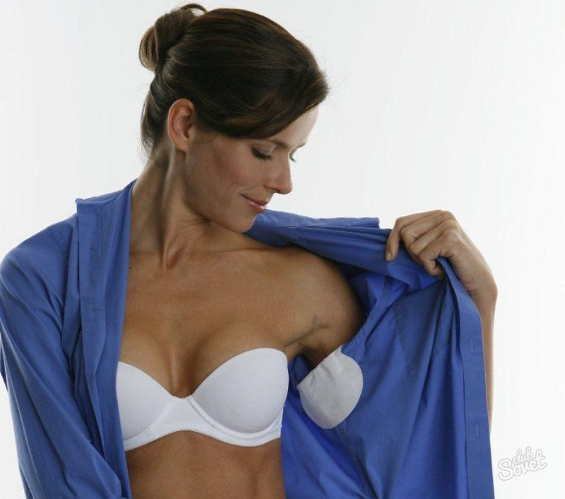Самый простой способ избавиться от запаха пота на одежде