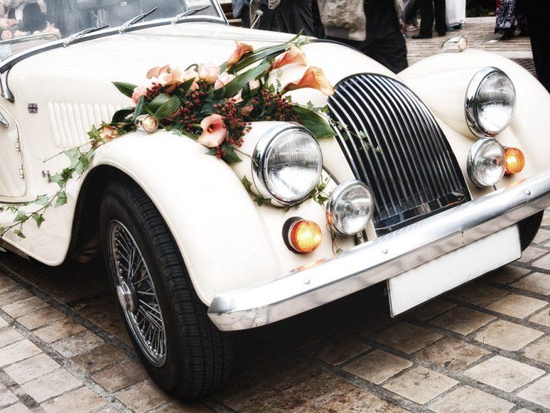 как экономить на свадебном авто