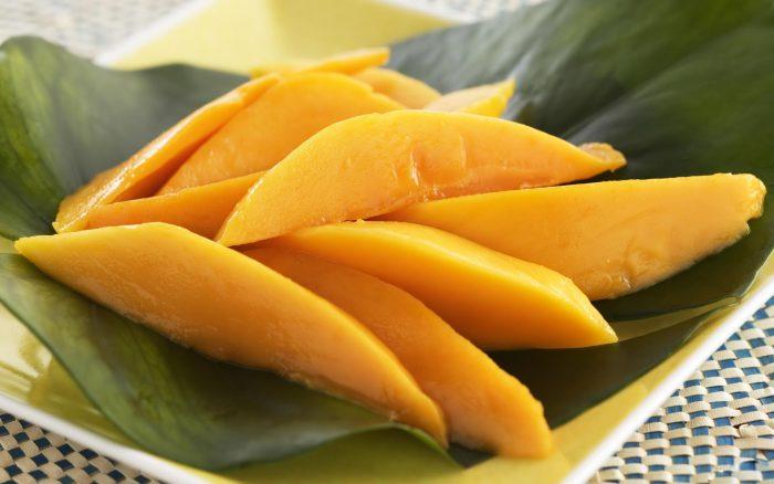 режем манго правильно