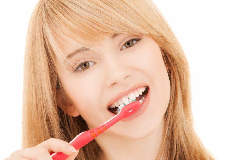 Чистим зубы содой