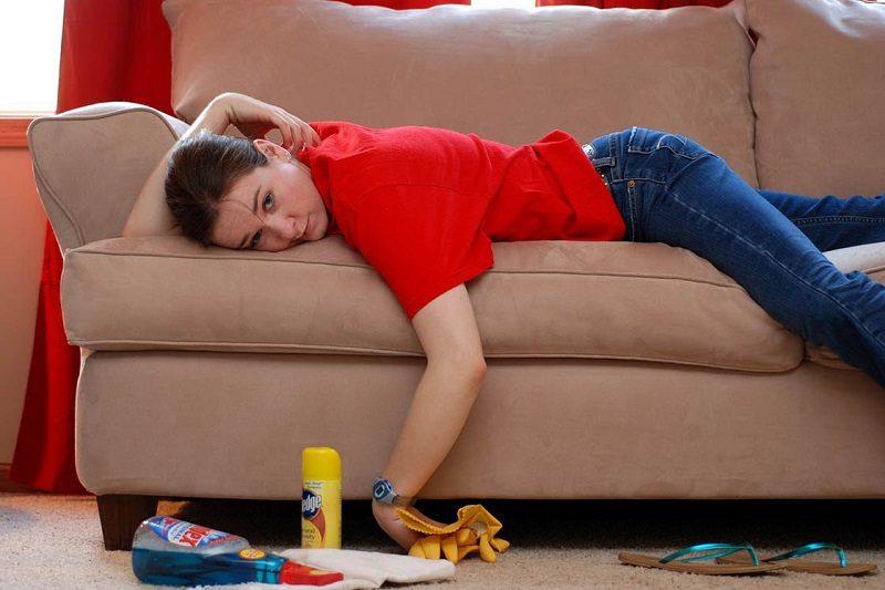 как избавиться от мочи на диване