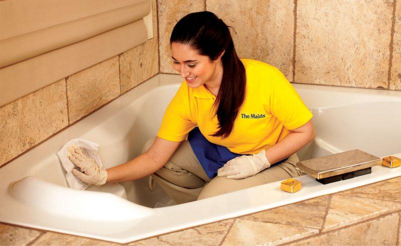 Особенности чистки акриловой ванны