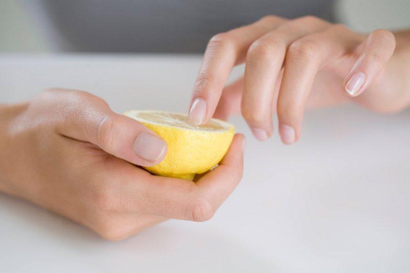 Лимон для отбеливания ногтей